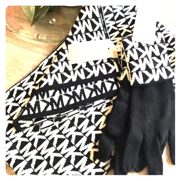 MICHAEL Michael Kors Accessories - Michael kors scarf and gloves